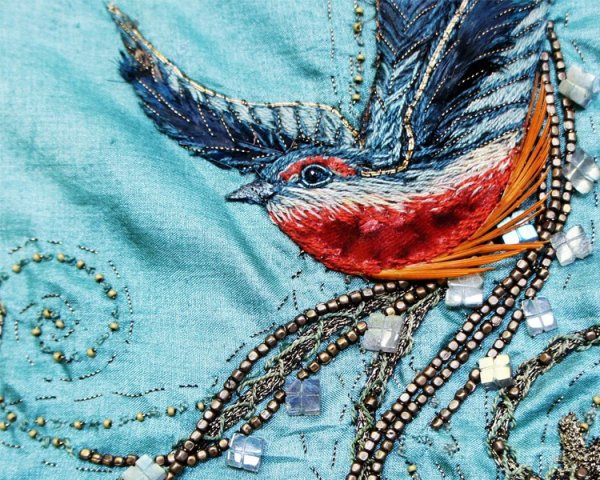 Cersei's Bird Embroidered Dress and Tyrion, Season 1