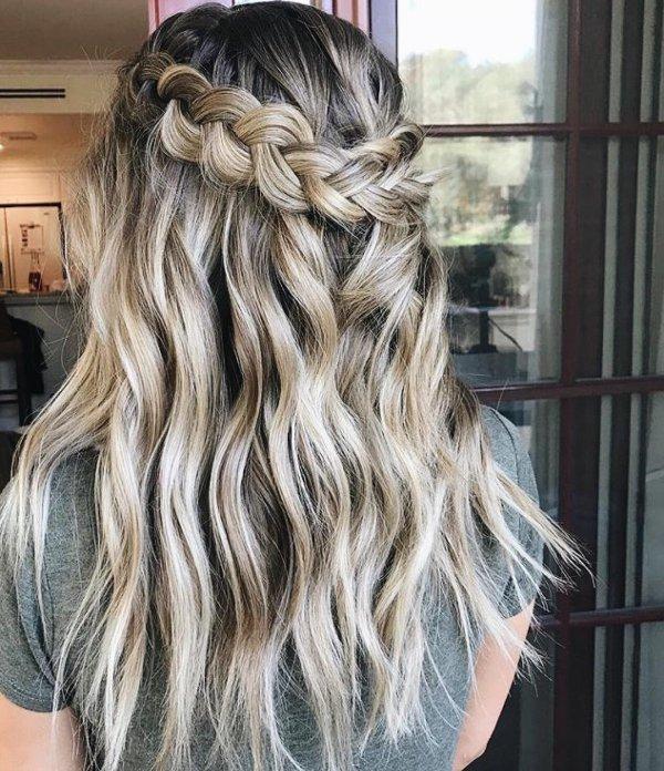 hair, human hair color, hairstyle, long hair, blond,