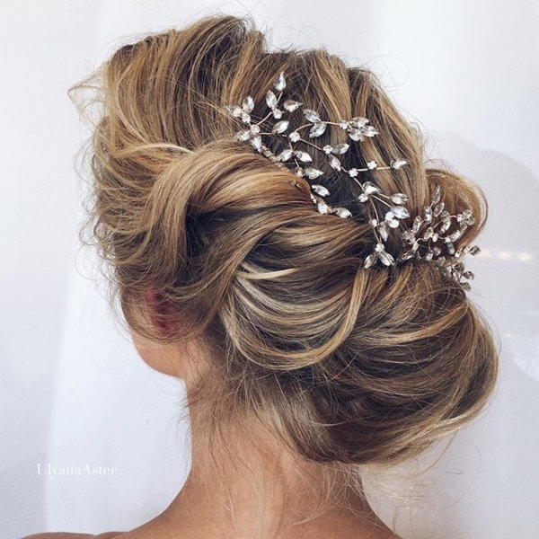 clothing, hair, fashion accessory, hairstyle, head,