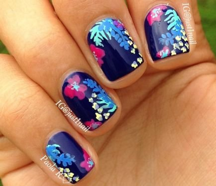 Tropical Flower Nails for a Hawaiian Vacy