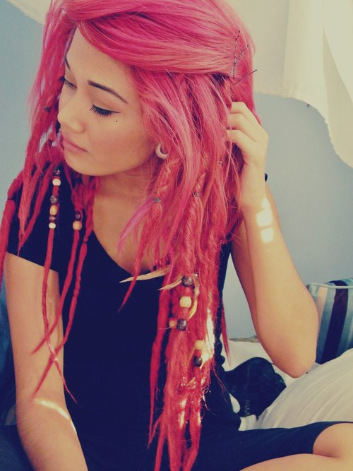 hair,human hair color,color,red,clothing,