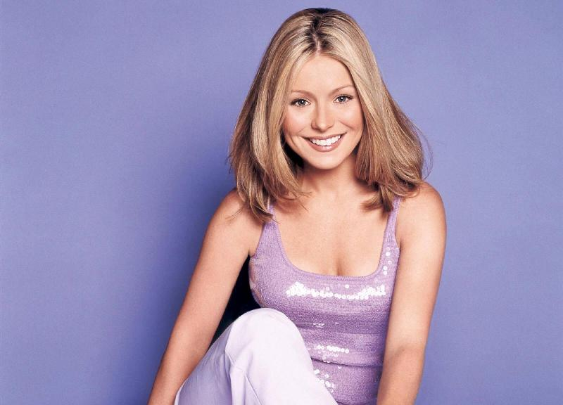 Kelly Ripa - 8 Celebrities Who Live in NYC ... Celebs
