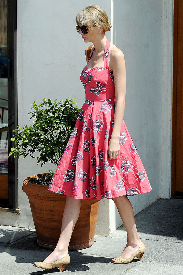 Taylor Swift - 10 Celebrities Wearing Floral Dresses U2013 Who Wore Itu2026
