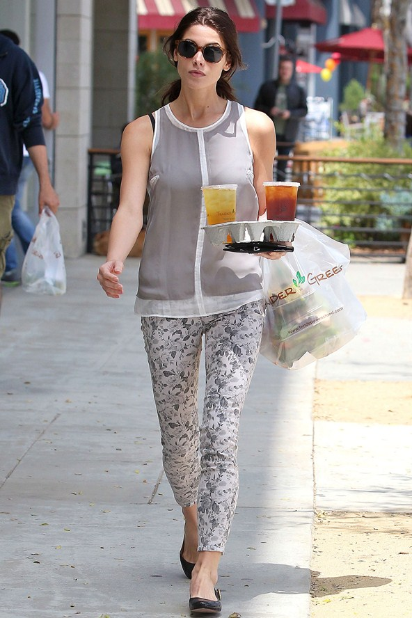 7. Ashley Greene - 10 Celebrities Wearing Printed Pants – Who Wore It…