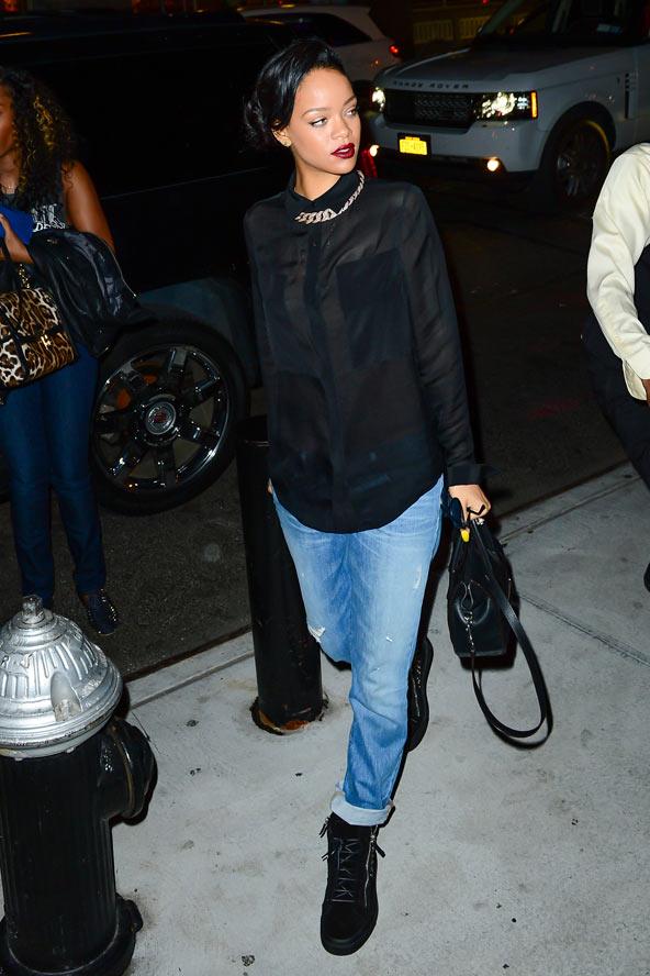 Rihanna - 9 Celebrities Wearing Boyfriend Jeans - Who Wore Itu2026