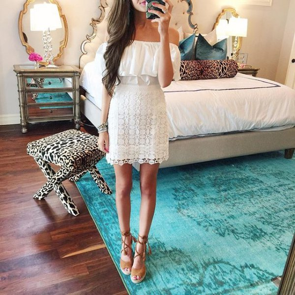 clothing, dress, bridal clothing, gown, leg,