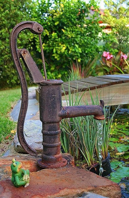Pump and pond 53 marvelous backyard fountains for you to for Garden pond water pumps