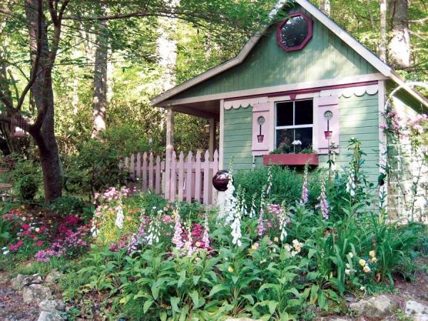 It Has Its Own Garden!