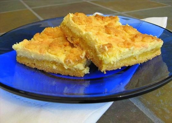 Lemon Streusel Cheesecake