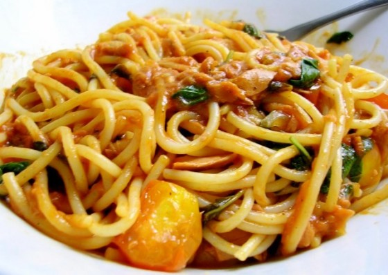 Spaghetti with Tuna Tomato Sauce