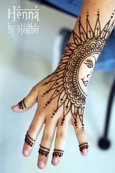 4 sun 35 incredible henna tattoo design inspirations. Black Bedroom Furniture Sets. Home Design Ideas