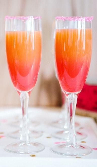 drink,stemware,wine glass,wine,alcoholic beverage,
