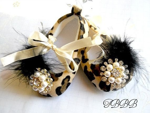 clothing,fashion accessory,jewellery,headpiece,petal,