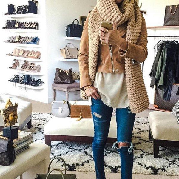 clothing, outerwear, fur, fashion accessory, footwear,
