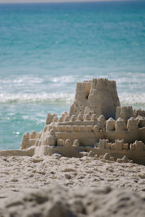 Building Sand Castles : Building sandcastles how to make childhood last forever …