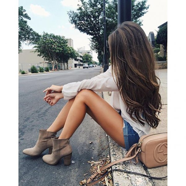 hair, clothing, human positions, hairstyle, long hair,
