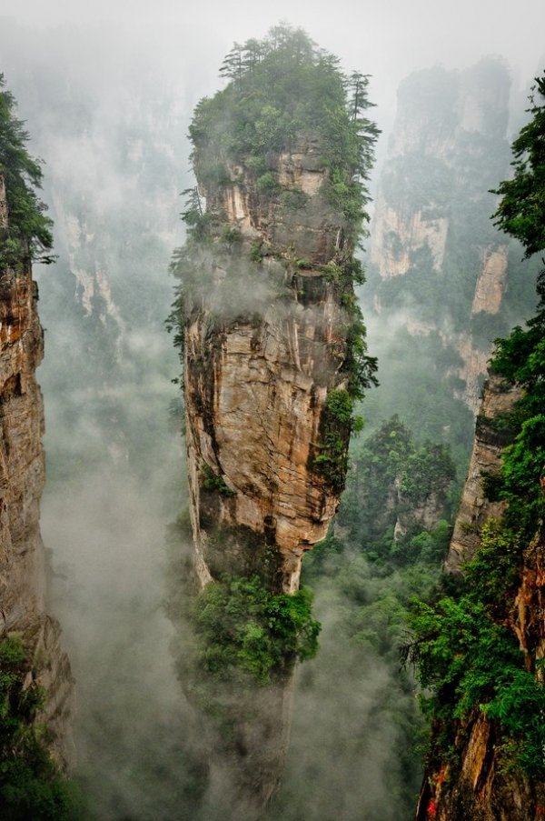 Tianzi mountain nature reserve china these secret travel for Floating rock norway