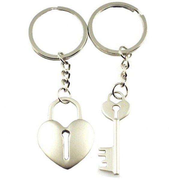 keychain, fashion accessory, chain, jewellery, body jewelry,
