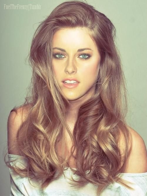 Tousled and loose summer hair loose waves and curls are tousled and loose urmus Images