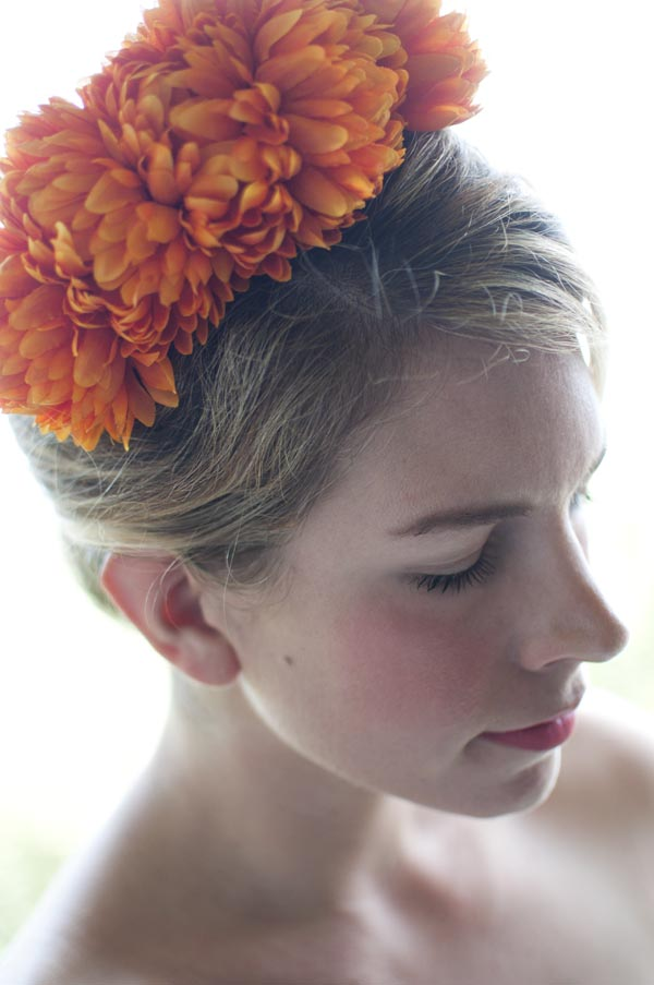 One Bridal Hair Piece That I Think Looks Amazing On Any Bride In The World Is A Floral Headband This DIY Not Only Very Easy To Make
