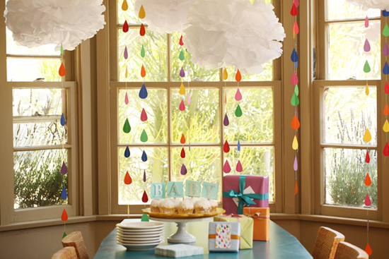 Tissue paper clouds 7 cute diy rain cloud mobiles for How to make a paper cloud