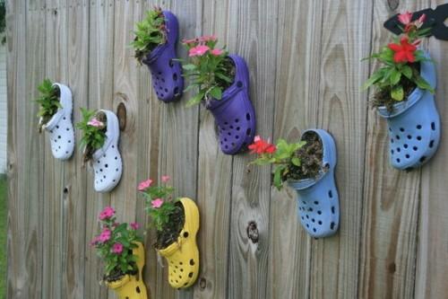 Shoe planters 7 awesome diy decorative accents to create - Decoracion con reciclaje ...