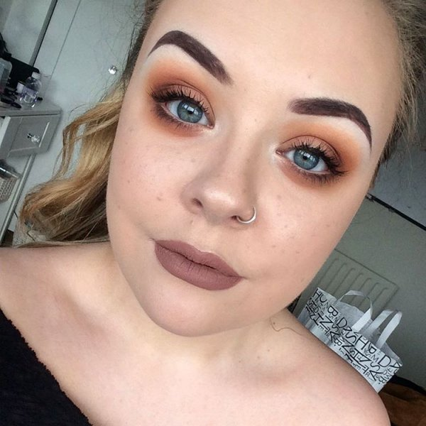 Molly's Tawny Eyes & Faux Freckles
