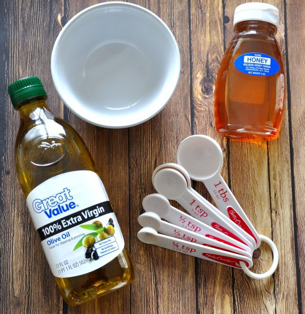 DIY Olive Oil & Honey Conditioner for Curly Hair and Wavy Hair