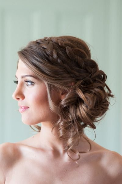 hair,face,hairstyle,bridal accessory,long hair,