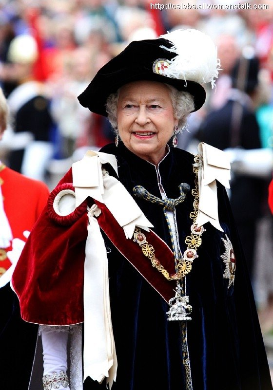 5 photos of most noble order of the garter celebs for Olive garden never ending classics prices
