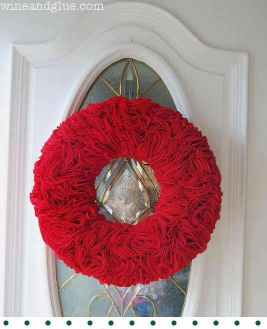 Ruffle Wreath 47 Christmas Wreaths To Welcome Your Guests