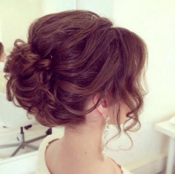 hair,hairstyle,face,hair coloring,long hair,