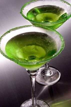 Green Apple Martini - Make 'Em Green with Envy: 48 Cocktails That…