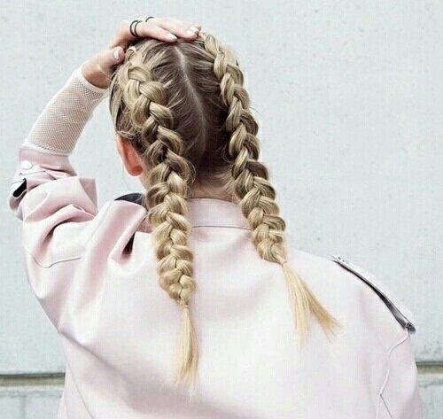 hair,hairstyle,braid,long hair,human body,