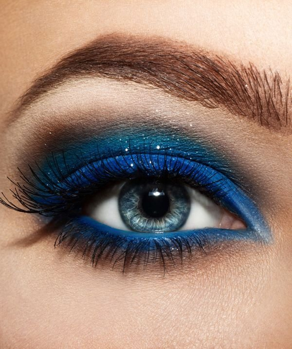 eyebrow,color,eye,face,blue,