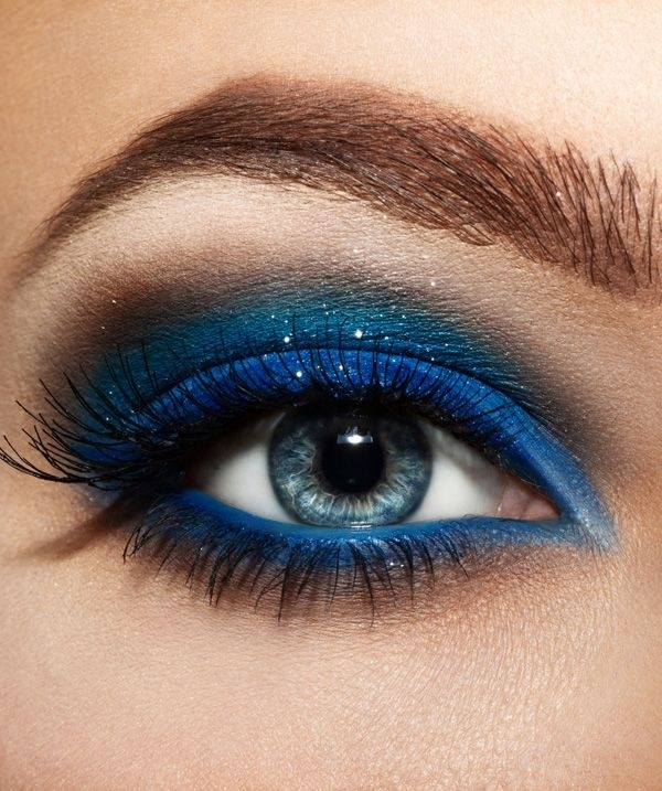 Day to Night Blue Eye Makeup Look