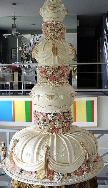 wedding cake,buttercream,cake,food,cake decorating,