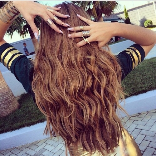 hair,human hair color,hairstyle,hair coloring,long hair,