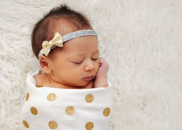 child,person,infant,toddler,fashion accessory,