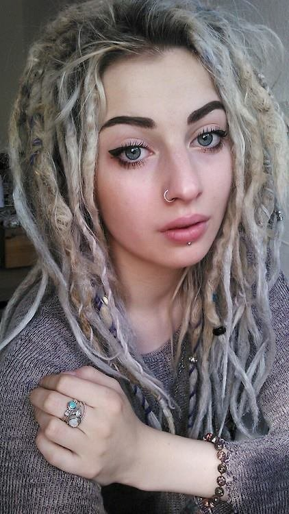hair,human hair color,face,blond,hairstyle,