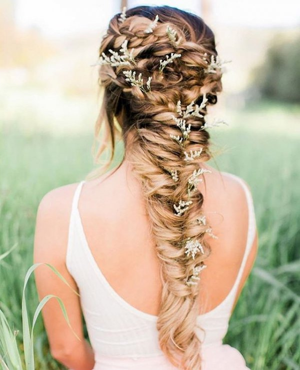 hair, hairstyle, long hair, braid, ringlet,