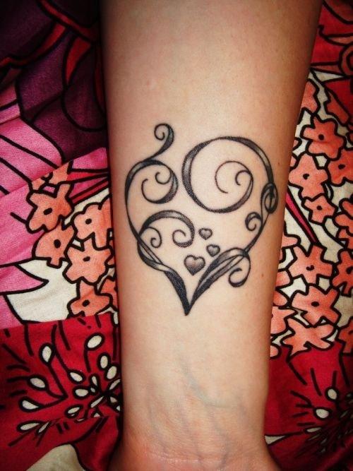 tattoo,pattern,arm,design,finger,
