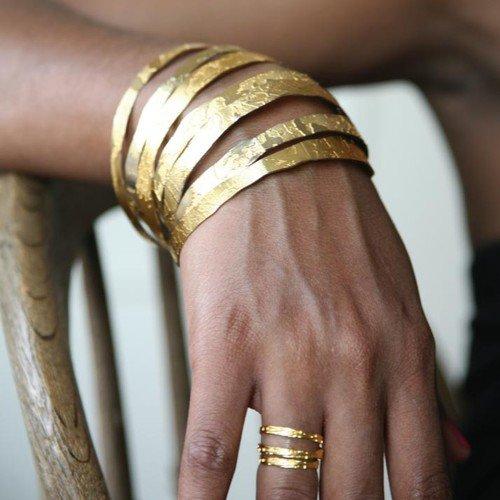bracelet, finger, arm, bangle, close up,