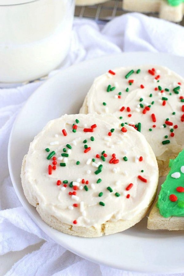 dessert, cookies and crackers, cream, whipped cream, buttercream,