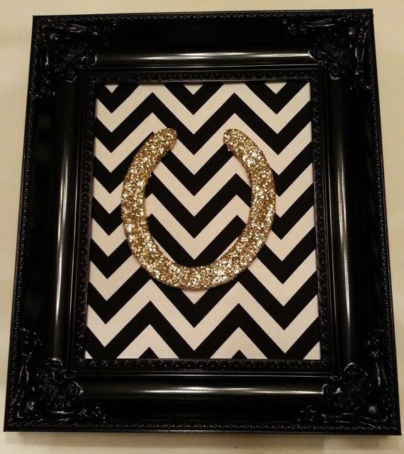 Glitter horseshoe 37 horseshoe crafts to try your luck for Horseshoe crafts for sale