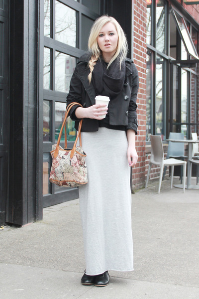 7 Sophisticated Ways to Wear Maxi Skirts ... → 👗 Fashion