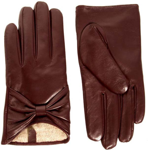 Dents of England has handmade the world's finest leather gloves since Today, the best traditions of this time-honoured craft are combined with contemporary design and luxury leather in stylish accessories including gloves, wallets, and belts.