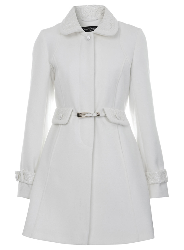 The white wool wrap coat is one of the season's biggest trends with high-end designers and the soon-to-be Duchess Meghan Markle. This past week, Prince Harry announced their engagement and posed for photos with her fiancé in a ivory white wool wrap coat. This white wool wrap coat fulfilled my ice-princess fantasies!