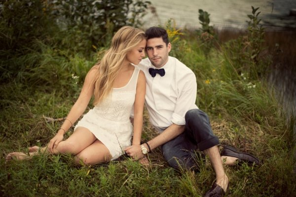 23 Creative Fall Engagement Photo Shoots Ideas I Shouldve