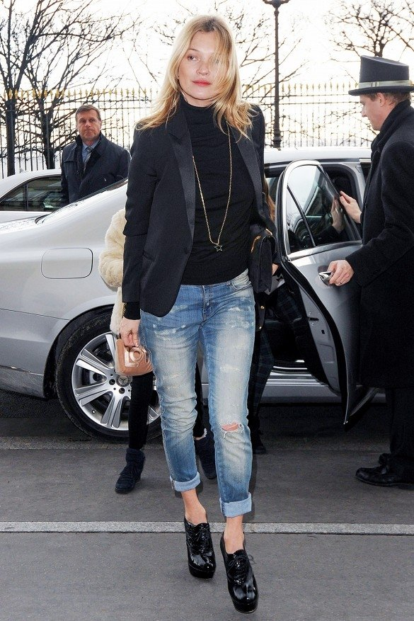 Kate Moss - 11 Celebrities Wearing Ripped Jeans – Who Wore It…